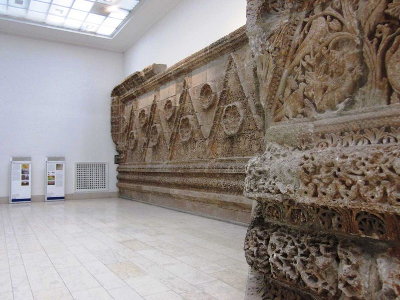 The most beautiful feature of Mshatta, however, remains in the rich and intricately carved features on its southern exterior, a significant section of which was given to Kaiser Wilhelm as a gift from the Ottoman sultan 'Abd al-Hamid just before World War I and today is located in the Pergamon Museum in Berlin.