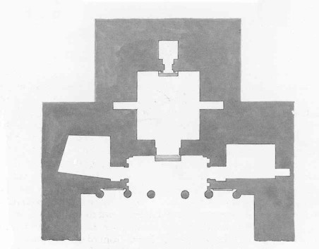 Floor plan of the Treasury Monument. Right: The Main Chamber